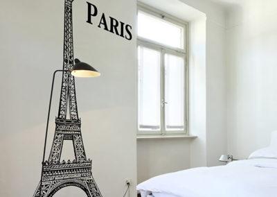 81133 Eiffel Tower