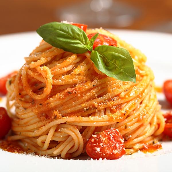18219354 - italian pasta spaghetti with tomato sauce